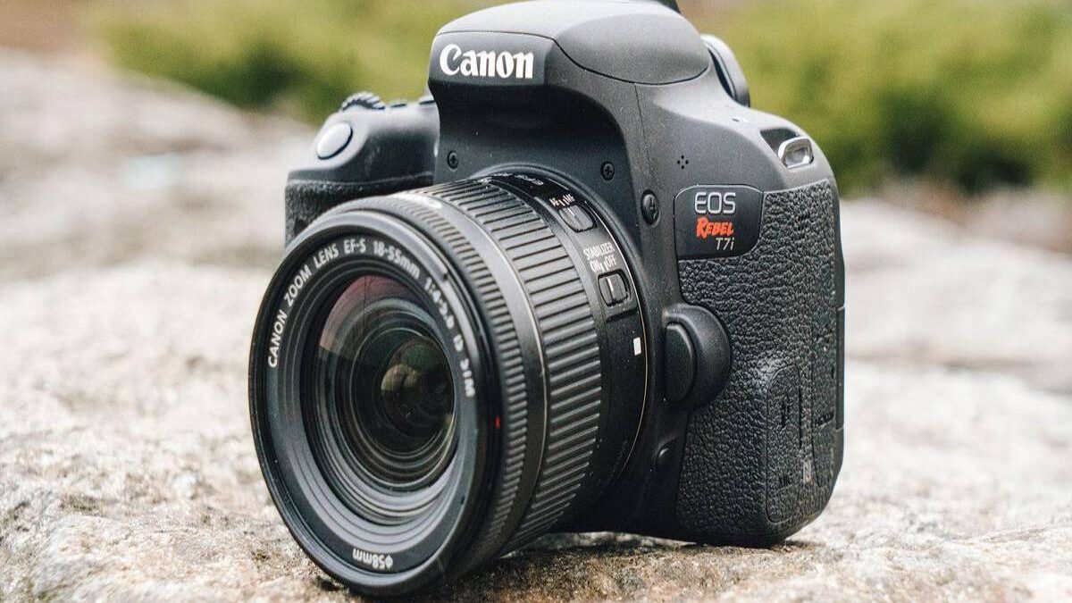 Canon DSLR Camera – Canon DSLR Camera Price in India, Models, and Review